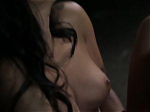 Asa Akira milks as she witnesses a kinky duo