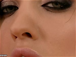 Aletta Ocean pumps her anxious slit with a meaty rosy plastic lollipop