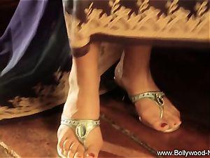 marvelous stunner From glamour India Dances For Us