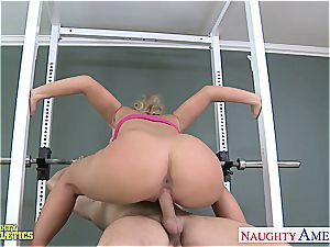 handsome Phoenix Marie at the gym getting plowed