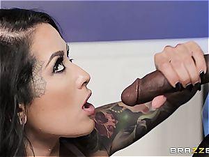 Katarina Jade probes Isiah's individual pink cigar
