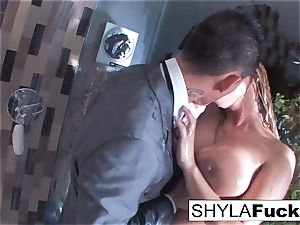 Shyla's anal porking in the douche