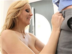 light-haired milf Julia Ann gets penetrated in sexy lingerie