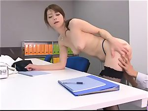 Maki Hojo leaves the manager to drill her at work