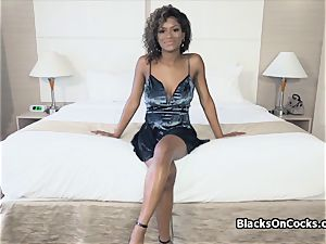 huge-titted black bombshell Lola lubed to inhale man-meat