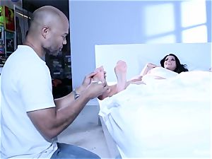 Romi Rains Painting And foot love Behind The scenes