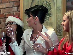toasted office lady lesbo party with peeing