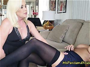 aunt-in-law Paris seduces Her step-sister