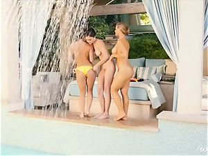 luxurious lezzies Nicole Aniston and buddies poolside gash fun