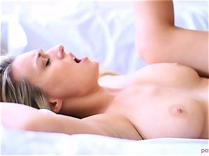 Boxing babe Natalia Starr completes her workout in a different way