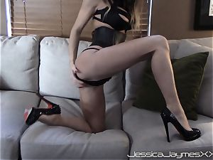 Jessica Jaymes webcam demonstrate teases and gets a big stream of jizz in the face