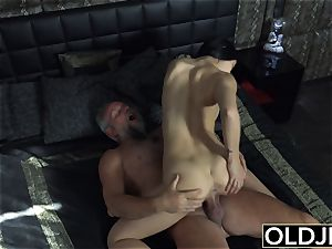 chick Dee nubile gash tonguing And ravage with muddy facial cumshot